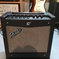 AMPLIFICATEUR FENDER MUSTANG I